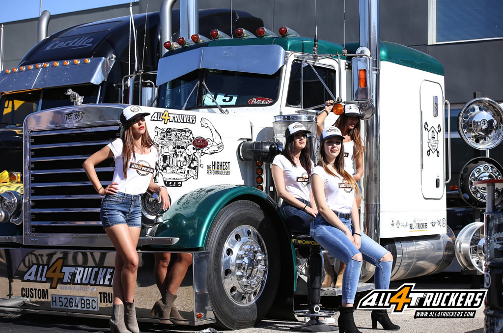 Chicas all4truckers valencia nascar